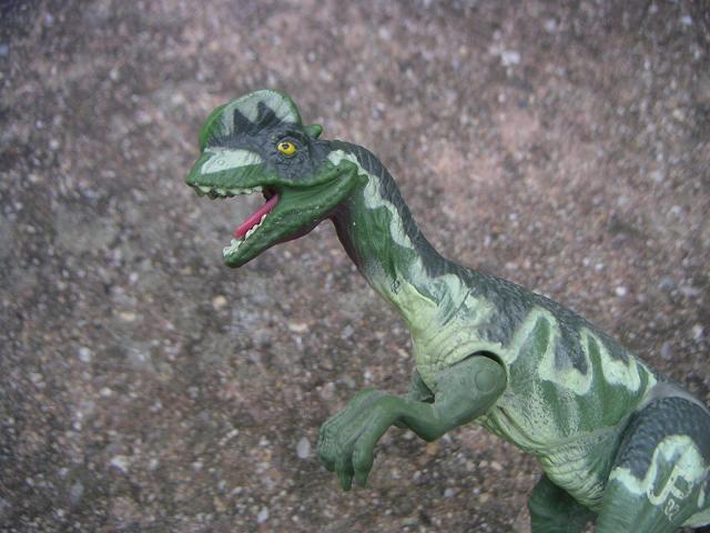 Dilophosaurus aus Jurassic Park - fälschlicherweise ohne Kerbe im Oberkiefer